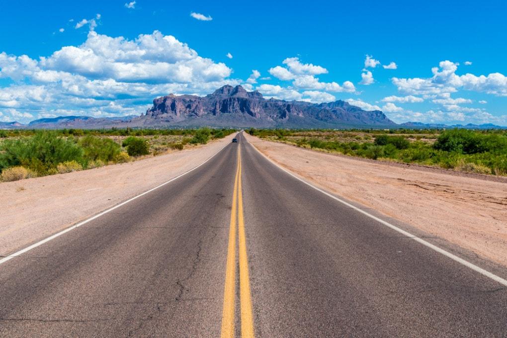 Verso Superstition Mountain in Arizona