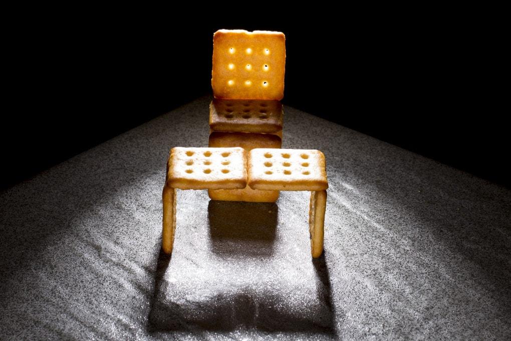 Biscottini o scrivania? questione ci creativiità.