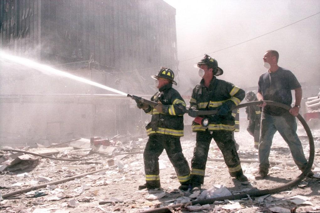 Vigli del fuoco a New York l'11 settembre 2001