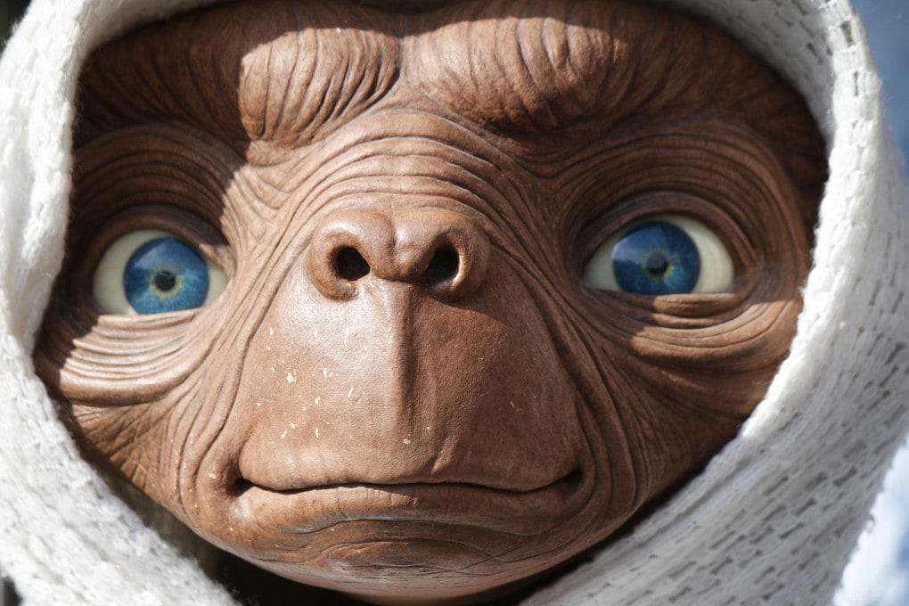 Berlino: statua di cera dedicata a ET, il personaggio dell'omonimo film di Steven Spielberg.