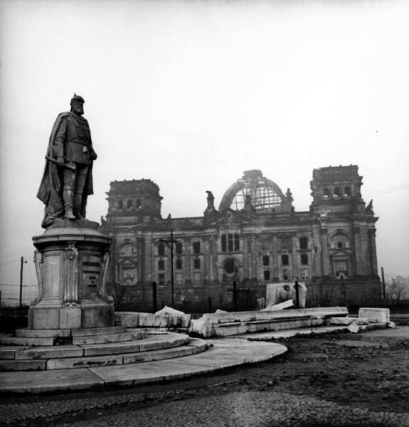 Fotografie di guerra for Dove ha sede il parlamento