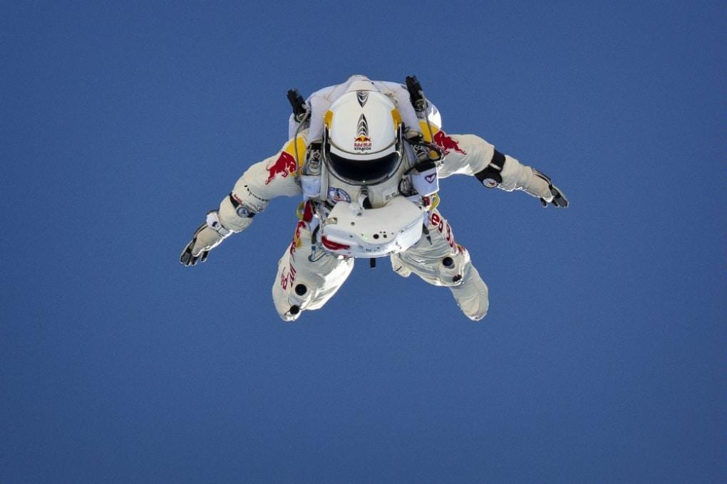 Felix Baumgartner a un passo dalla storia: martedì prossimo si lancerà in caduta libera da 36.000 metri