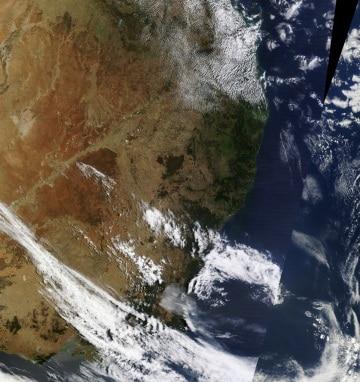 L'Australia brucia, si vede anche dallo Spazio