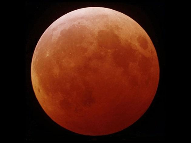 Una notte di luna rossa