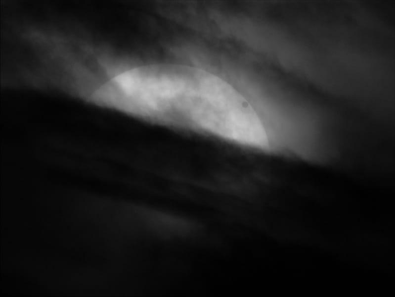 03_transitofvenus2012inhydrogen-alpha-chriswarren