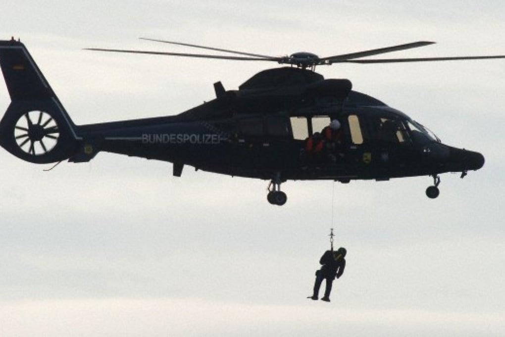 Appesi all'elicottero: un viaggio interattivo a 360 gradi