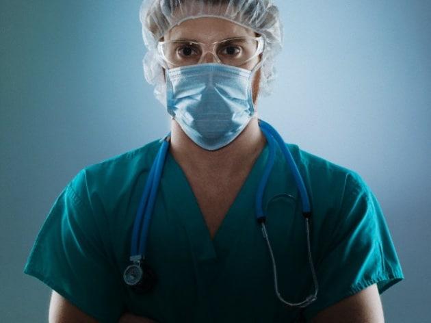 Perché chirurghi e infermieri indossano camici verdi?