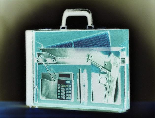 Che cosa si vede con i raggi x nelle nostre valigie?