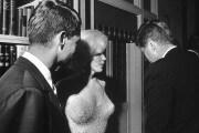 La parabola politica di JFK, l'uomo che ci fece sognare la Luna (e poi ce la diede)