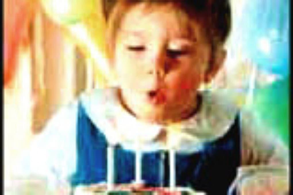Quando è nata l'usanza delle candeline ai compleanni?