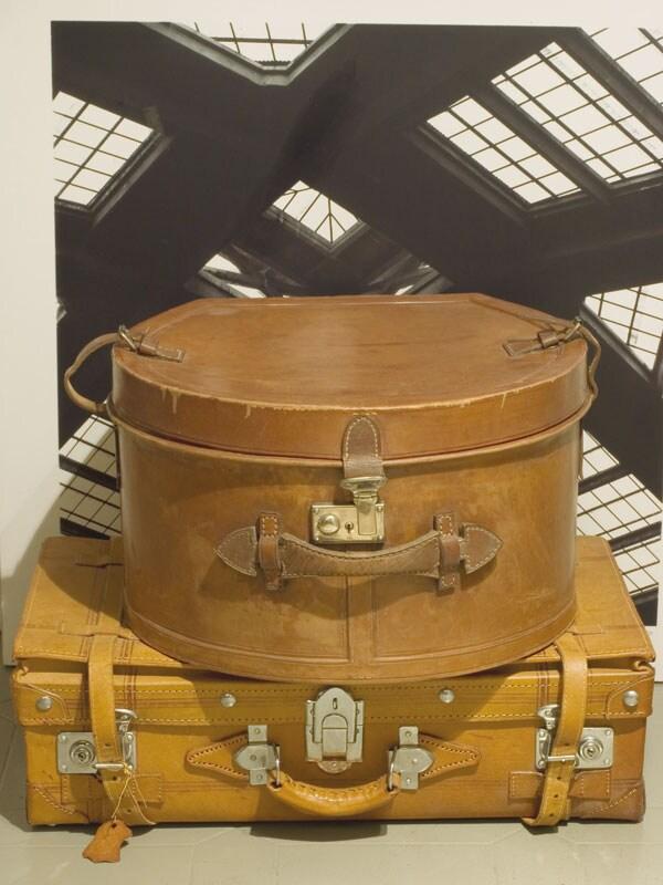 La storia del bagaglio e di come abbiamo viaggiato nei secoli - Come rivestire internamente un baule ...