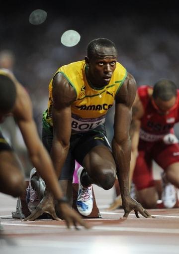 Bolt, l'uomo lampo vince i 200 metri