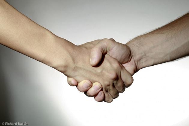 La formula della perfetta stretta di mano