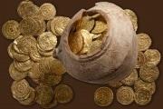 Tesori sepolti: scoperta un'anfora piena di monete d'oro