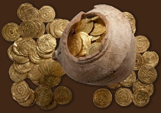 Tesori sepolti scoperta un 39 anfora piena di monete d 39 oro for 3 case di storia in california
