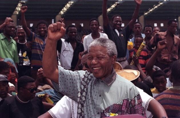 La vita di Nelson Mandela in foto