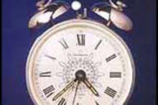 """Perché il 4 negli orologi è spesso indicato con """"IIII"""" anziché con """"IV""""?"""