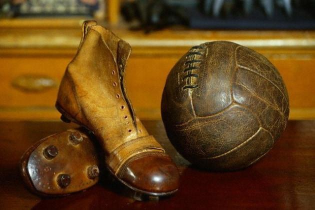 """Quando sono comparsi i """"tacchetti"""" da calcio?"""
