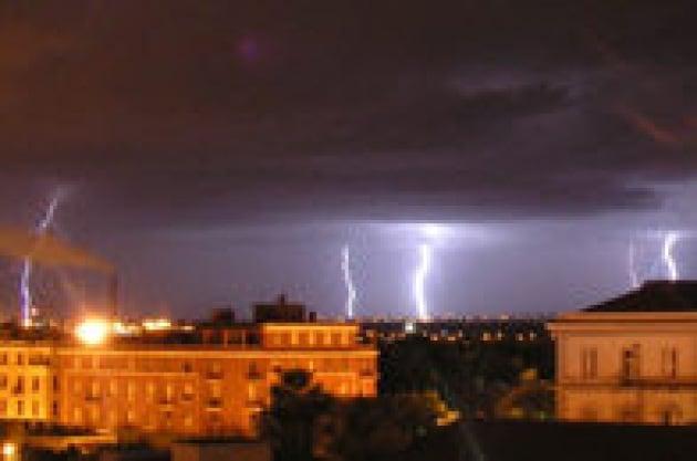 Temporali e tempeste d'estate: come la città cambia il clima