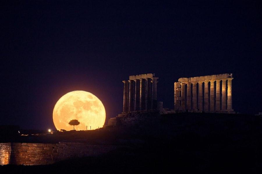 1-moon-illusion