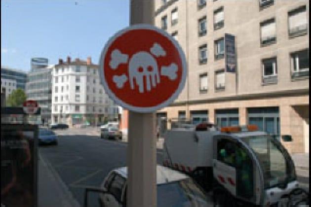 Cacciatori di cartelli strani