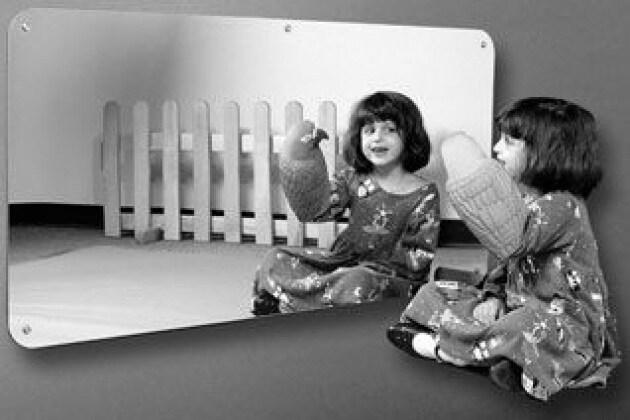 A quale età impariamo a riconoscerci allo specchio?