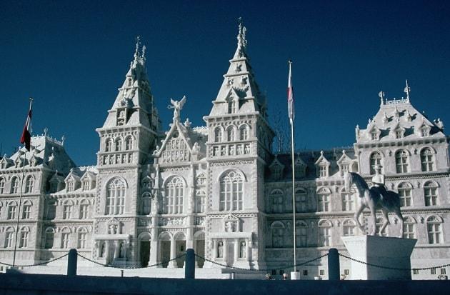 Arte da brividi: le sculture di neve giganti del Sapporo Snow Festival