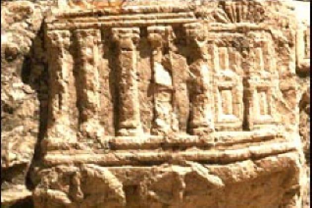 Sono esistiti il Santo Graal e l'Arca Santa?