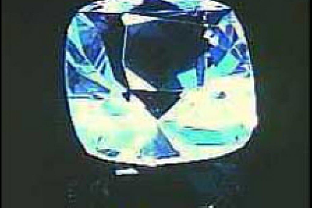 Che differenza c'è fra zirconi e diamanti?