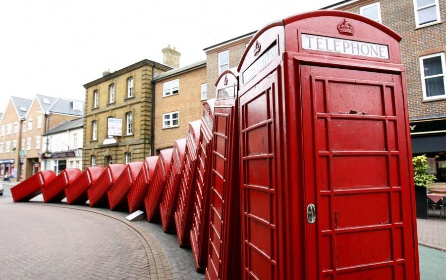 Le cabine telefoniche pi pazze del mondo for Affitti cabina della domenica