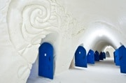 snowhotel-corridor-2012_lumilinna