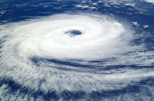 Un uragano può passare da un emisfero all'altro?