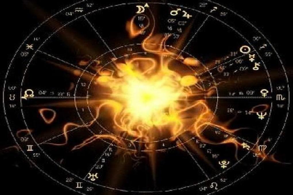 Perché c'è ancora chi crede negli oroscopi?