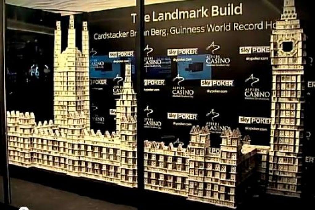 Quanto può essere alto un castello di carte?