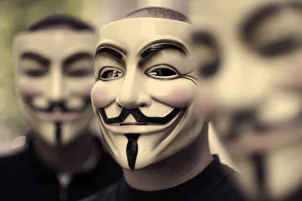 Adesso gli hacker attaccano Apple
