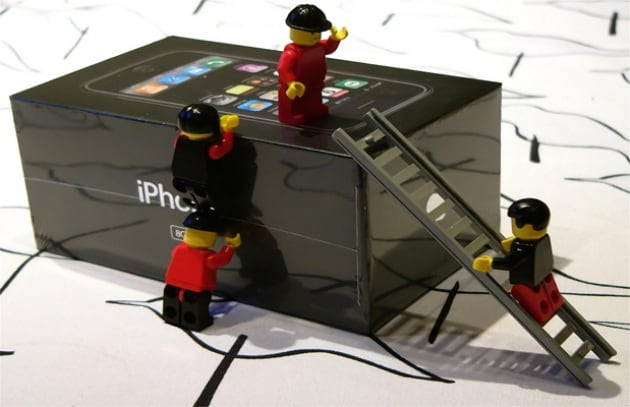 Jobs: Apple non spia i clienti