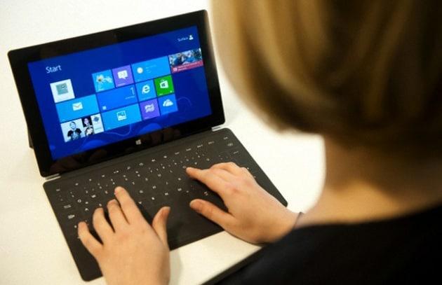Microsoft Surface vende la metà del previsto