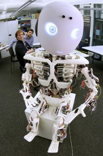 Io Robot: tra tecnologia, arte, sport e lavori domestici