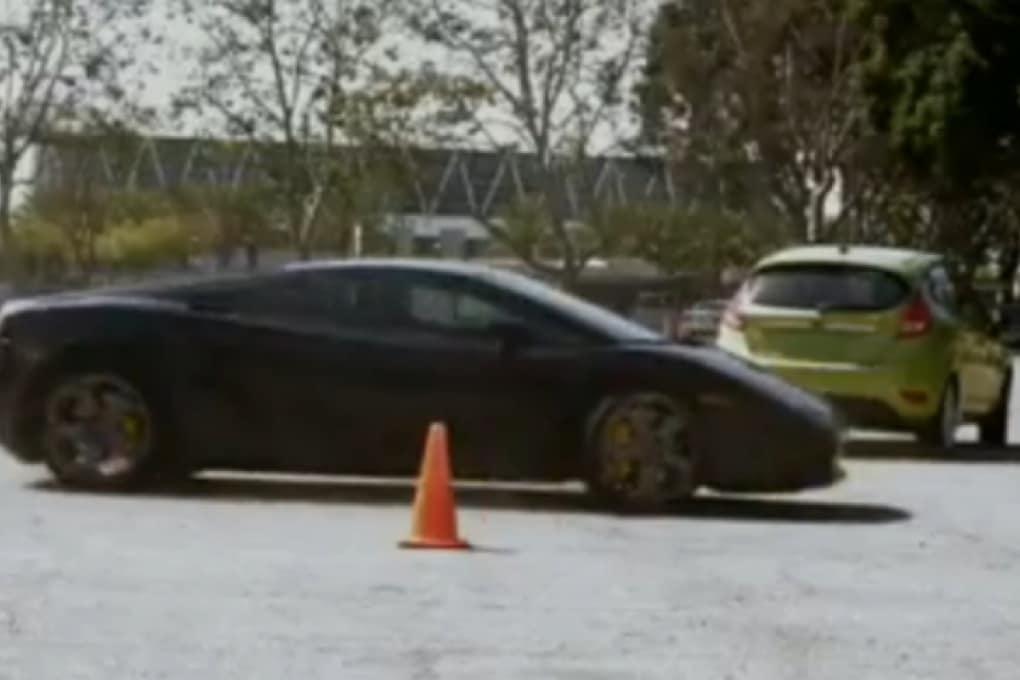 Fiesta batte Lamborghini Gallardo