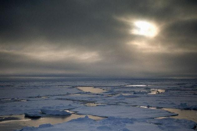 Che origine ha il ghiaccio dei Poli?