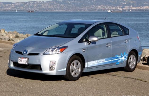 Toyota: caricati l'auto elettrica a casa
