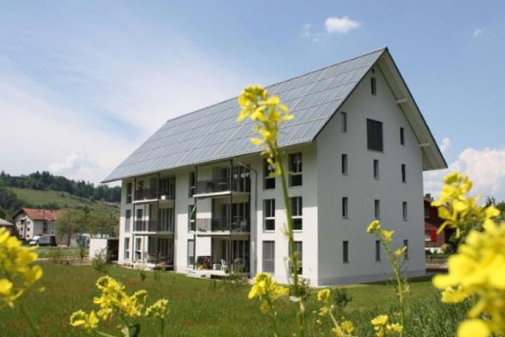 Chalet svizzero completamente solare