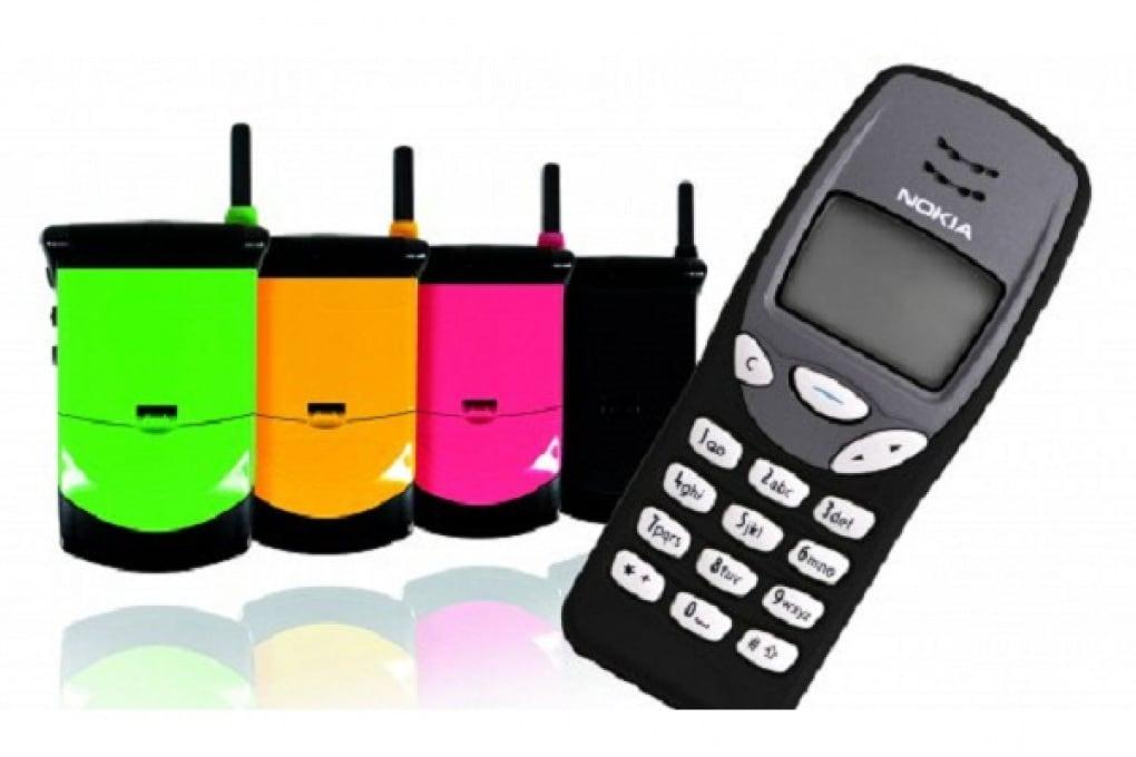 Tornano di moda i vecchi cellulari come il 3210!