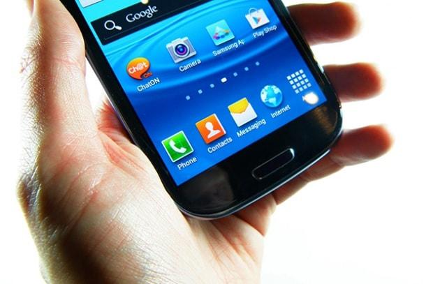Samsung corre ai ripari e sistema gli smartphone