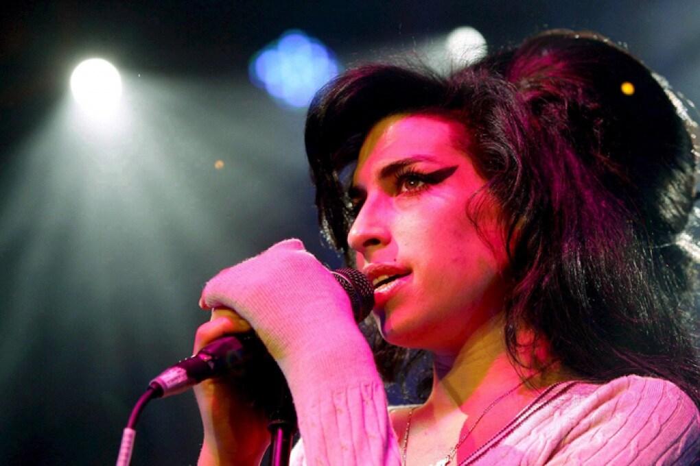 Amy Winehouse guida la hit parade dall'aldilà