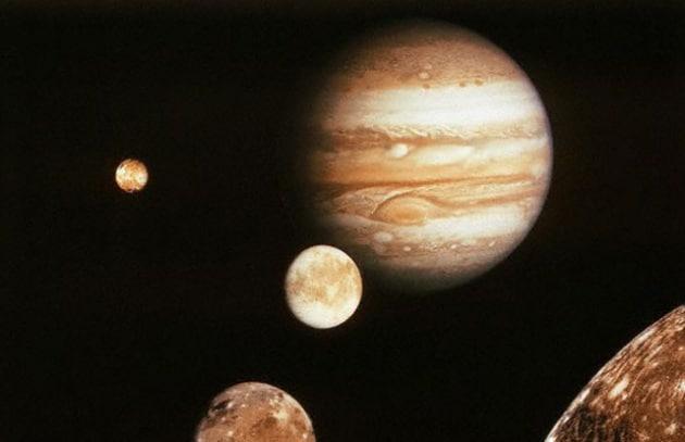 Acqua intorno a Giove. Ci sarà anche la vita?