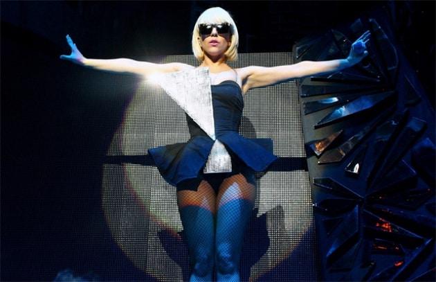 Lady Gaga difende i matrimoni gay, Apple la censura