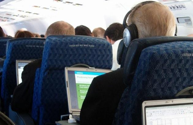 Wi-Fi sugli aerei: pericolo bomba
