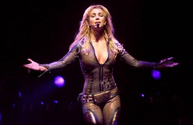 Britney domina su Twitter, ma vuole farsi congelare