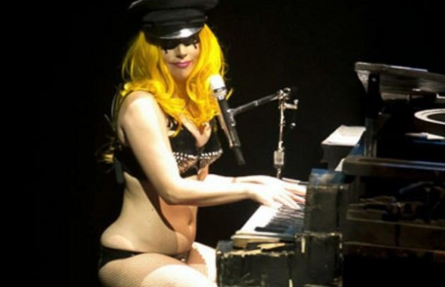 Web-gossip: Lady GaGa, allarme pancetta!
